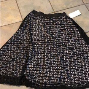 Mod'land black white stripe lace skirt size medium